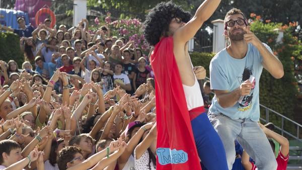 TwitterMan Se Hace Un Selfie Con Los Chicos Y Chicas Del Campus Ronda