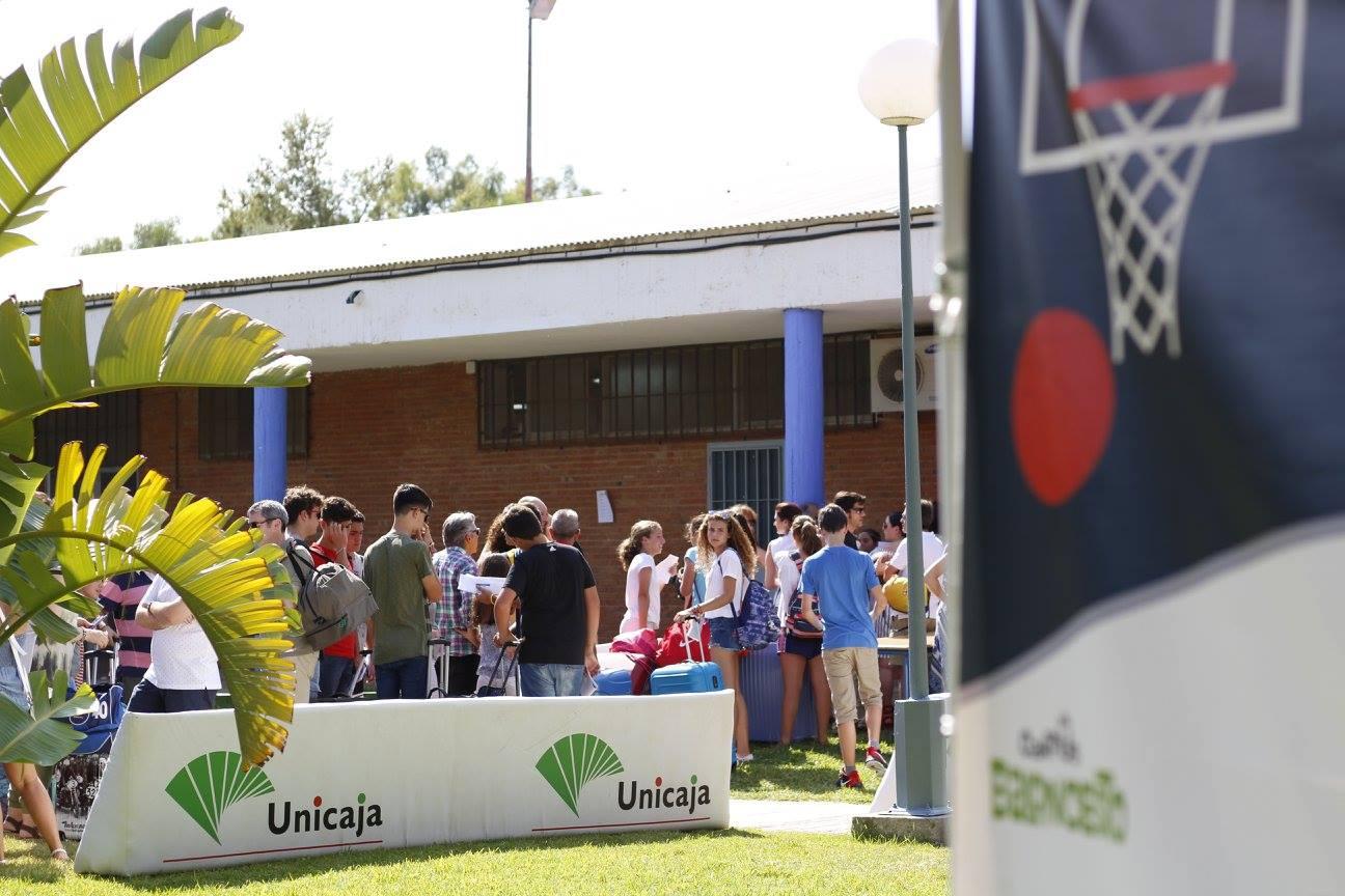 Llegadas Del Segundo Turno De Campus Unicaja Baloncesto 2017.