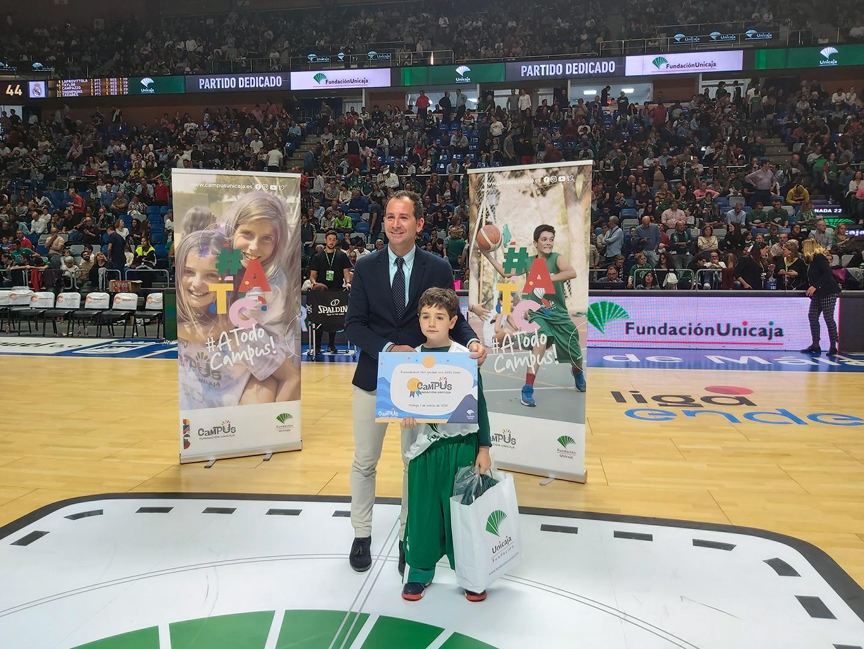 Fundación Unicaja Entrega Una Plaza Campus 2020 En El Partido Unicaja Baloncesto – Real Madrid Baloncesto